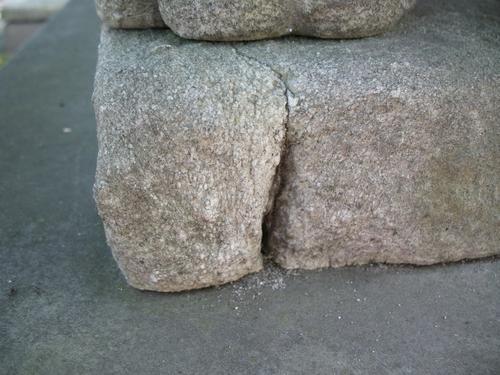 Выкрашивание мрамора. Потеря фрагментов камня.
