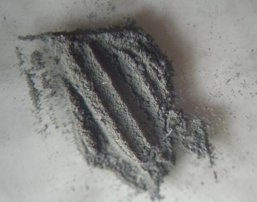 1. Однородное тонкодисперсное черное вещество.